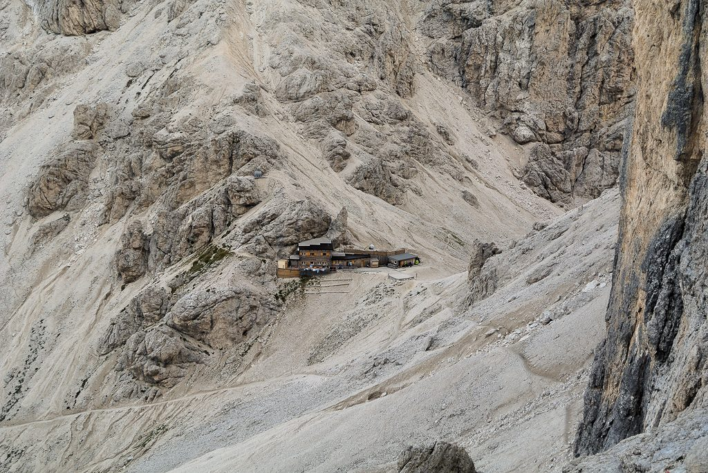 Rifugio Passo Principe (Ph. Mirko Ropelato)