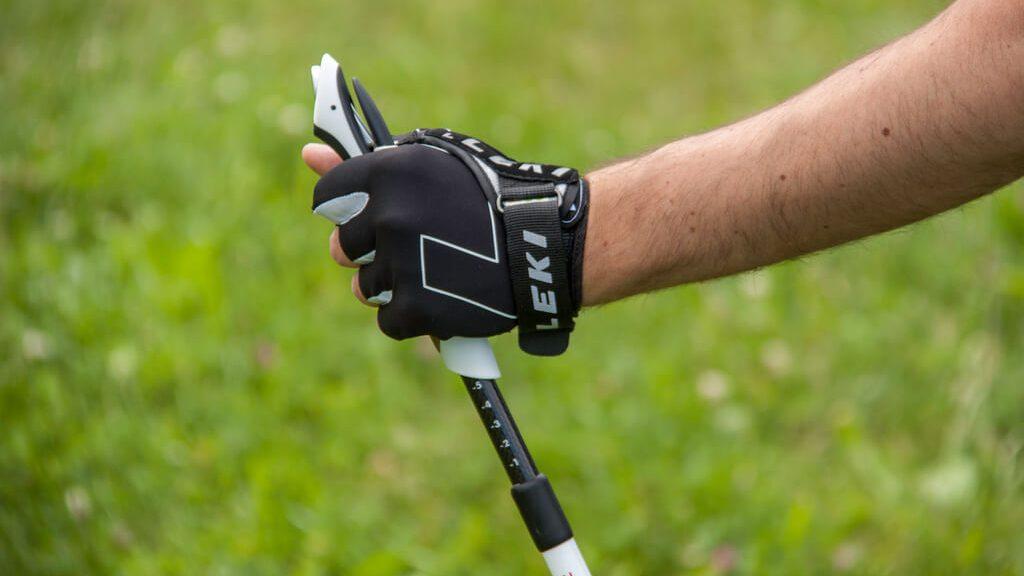 buy popular bb66d 9533e 5 ottimi motivi per usare i bastoncini da trekking - TrentinoWow