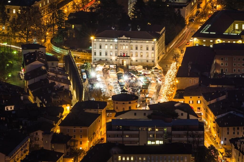 Il mercatino di Natale di Piazza Fiera (Ph. lorenza62 / Shutterstock.com)