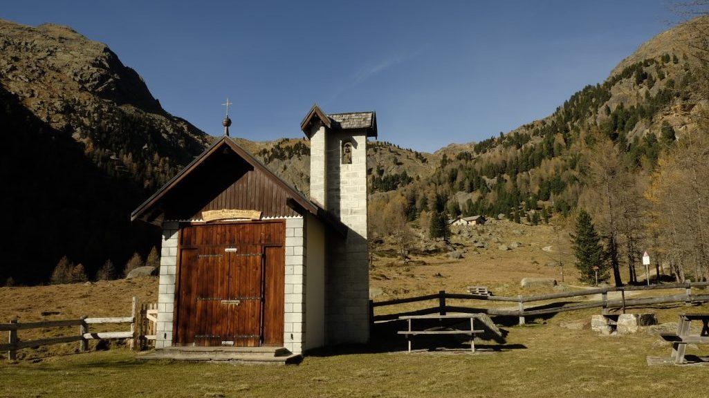 """Chiesetta degli Alpini """"Val di Peio"""" (Ph. Mirko Ropelato)"""
