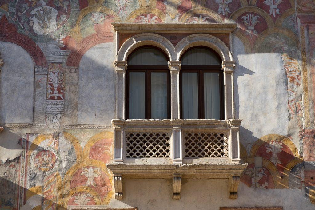 Dettaglio di Palazzo Quetta Alberti-Colico (Ph. Mirko Ropelato)