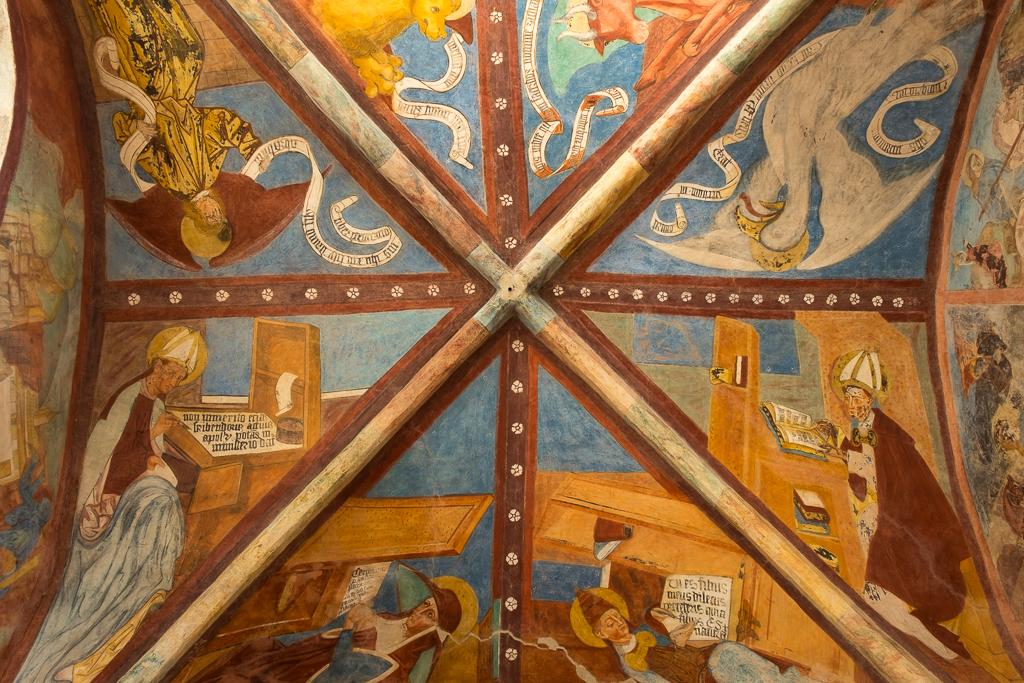 Soffitto affrescato nella Cappella di San Giorgio (Ph. Mirko Ropelato)