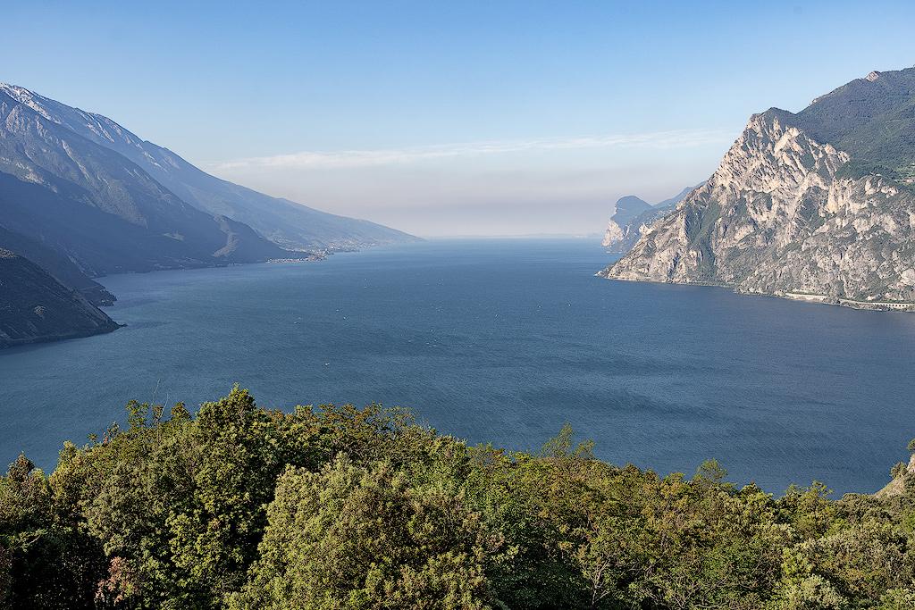 Lago di Garda dal Monte Brione (Ph. Mirko Ropelato)