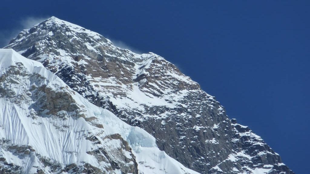 Monte Everest (Ph. Calum Robinson / CC BY-SA 2.0)