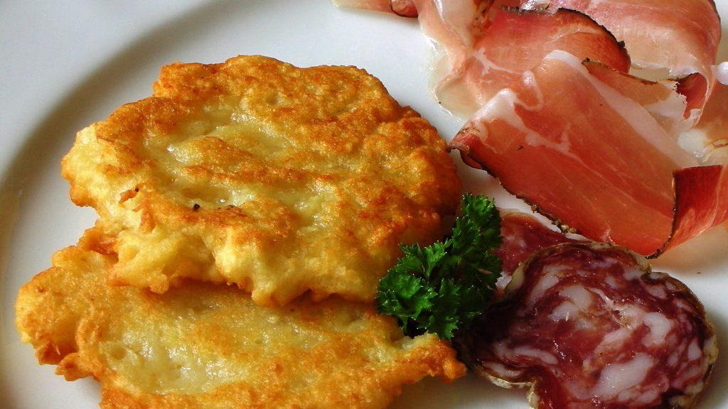 Tortel di patate (Ph. Azienda per il Turismo Val di Non)
