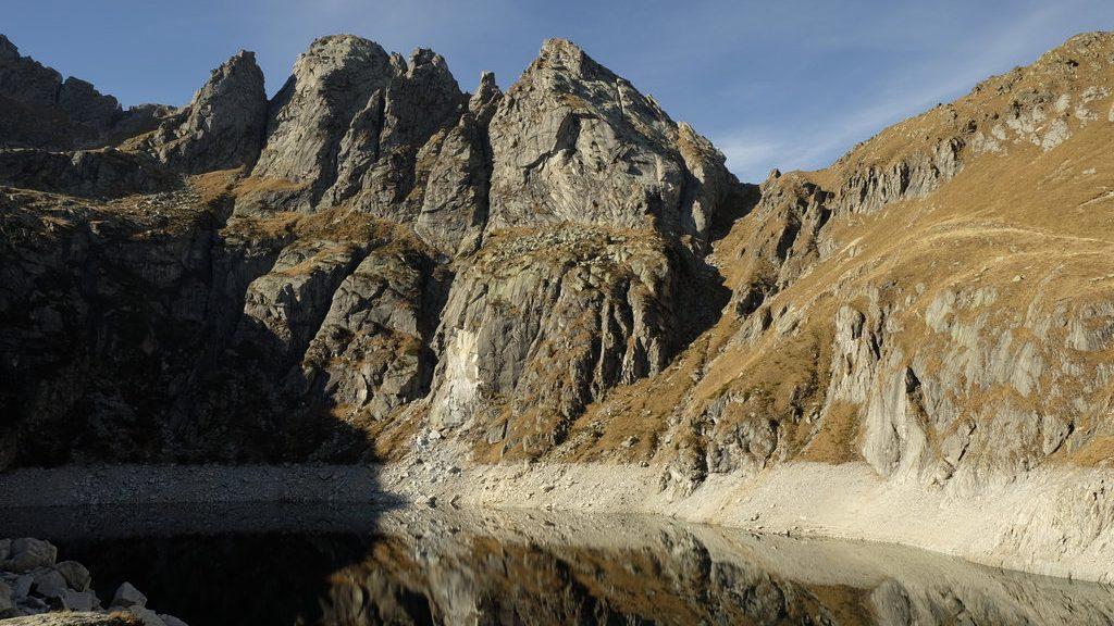 Lago di Costa Brunella e Gruppo di Rava (Ph. Mirko Ropelato)